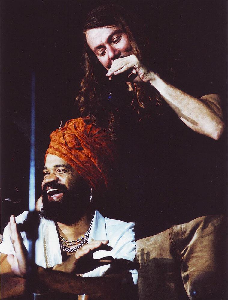 2001 – Brown e Lenine – Tom Brasil