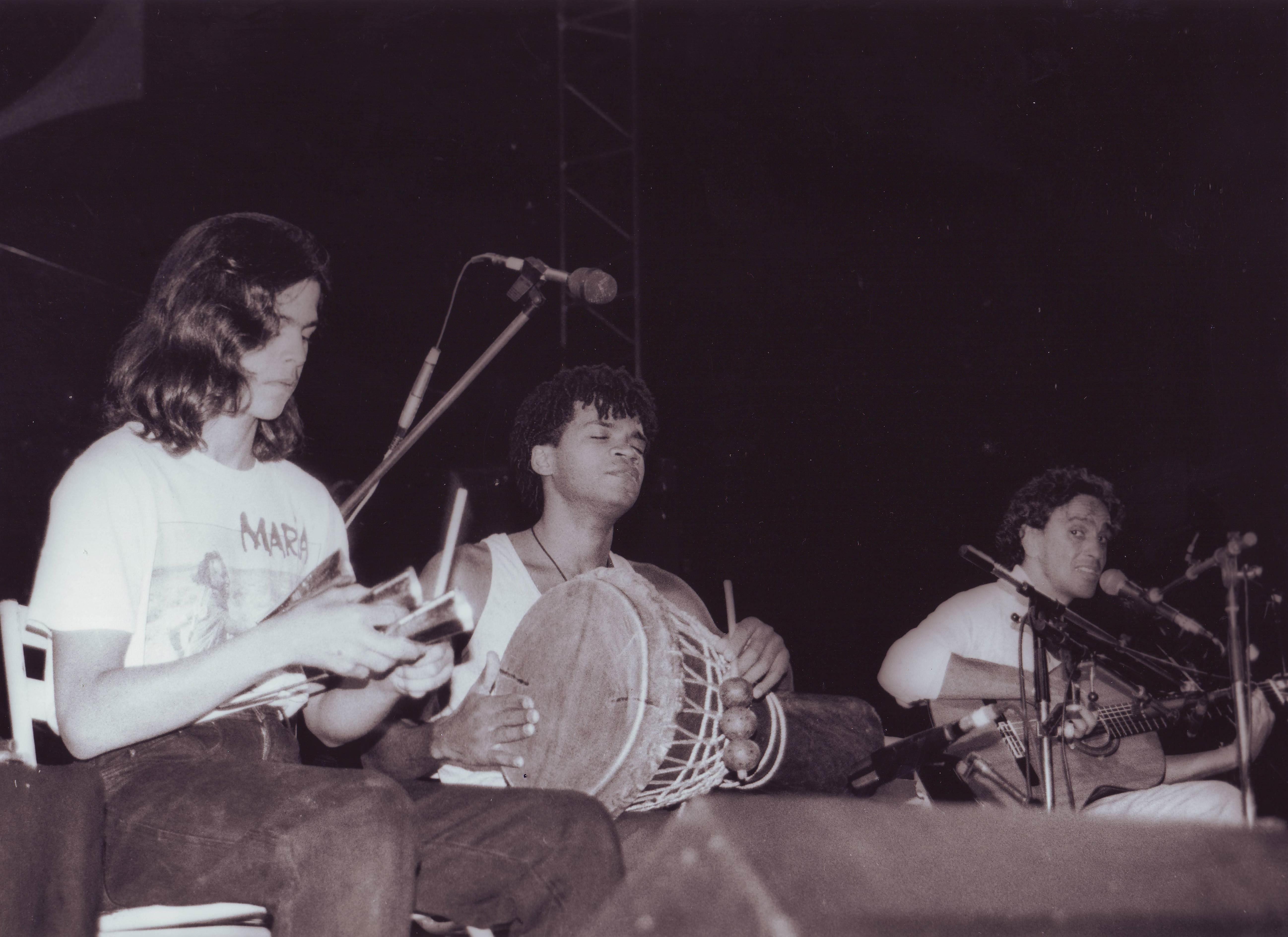 Carlinhos Brown, Caetano Veloso e Moreno – Turne Estrangeiro 1989
